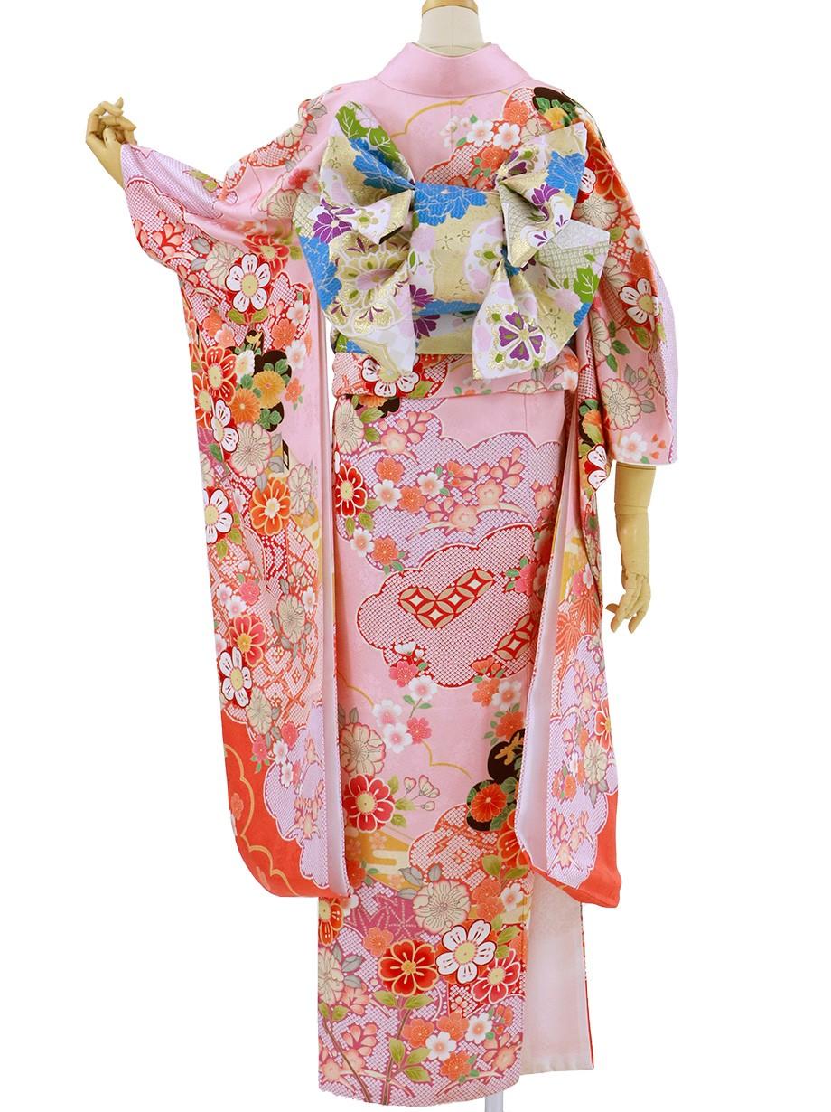 ピンクに疋田と花尽くしの振袖/小さめサイズ