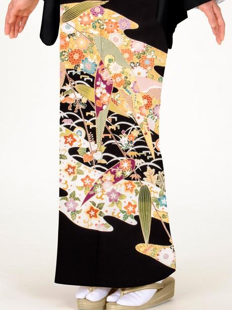 笹に流水と四季花の黒留袖