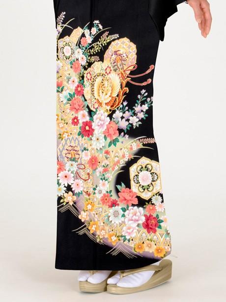 鏡裏に鳳凰と四季花の黒留袖