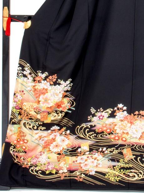 波に色紙と四季花の黒留袖