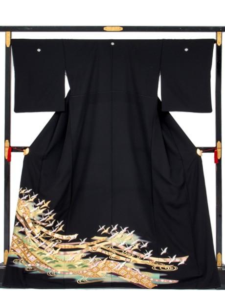 熨斗と鶴の黒留袖