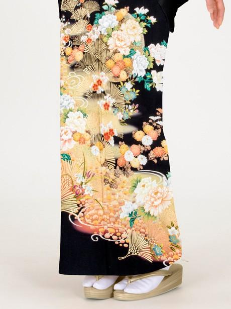 松と牡丹の黒留袖