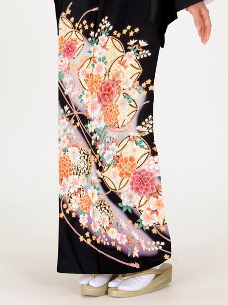 七宝と四季花の黒留袖