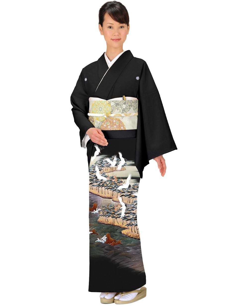 鶴に松籟(しょうらい)紋の黒留袖/ワイドサイズ