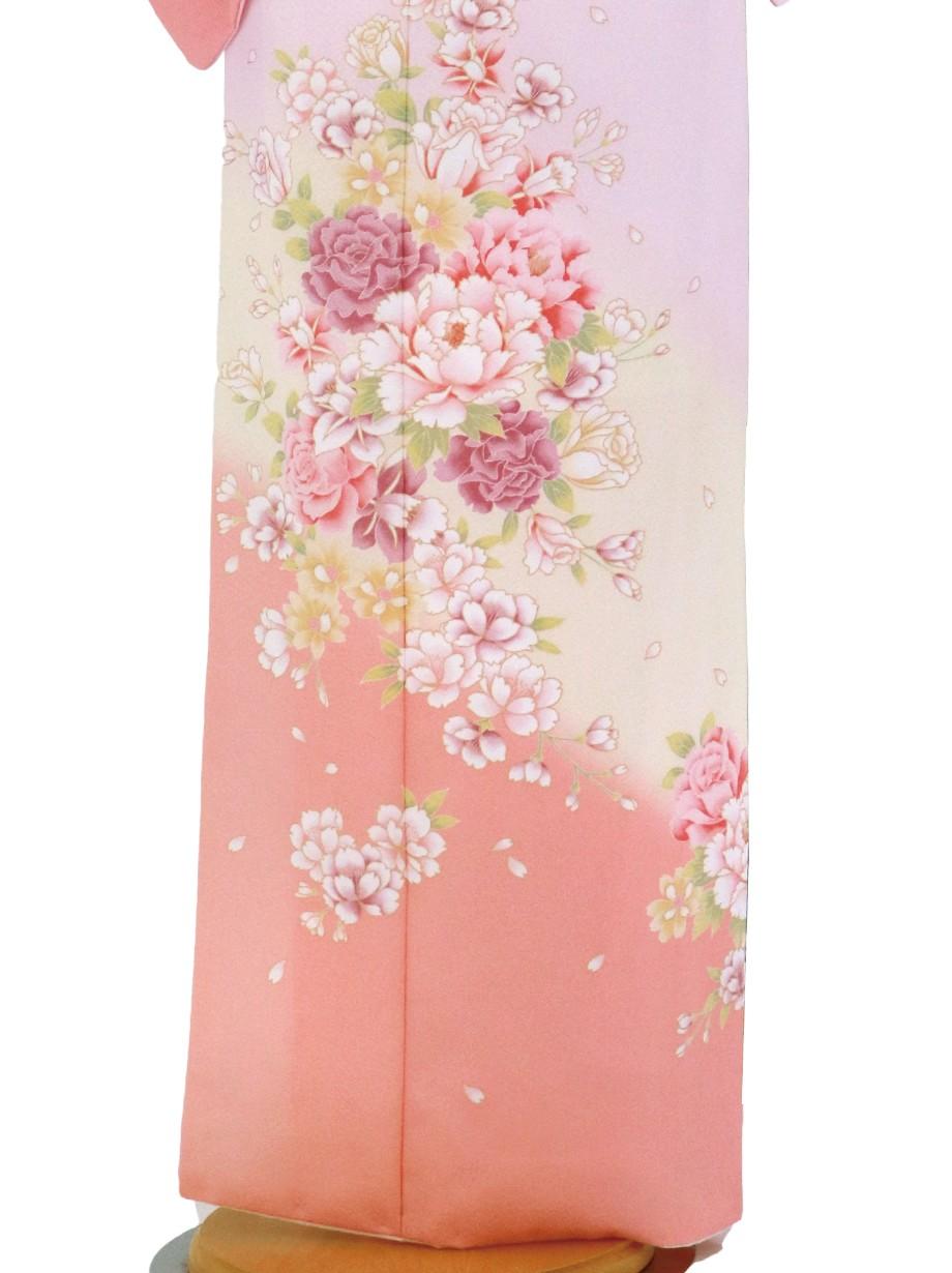 薄ピンク色に牡丹尽くしの訪問着(袷)(ポリエステル)