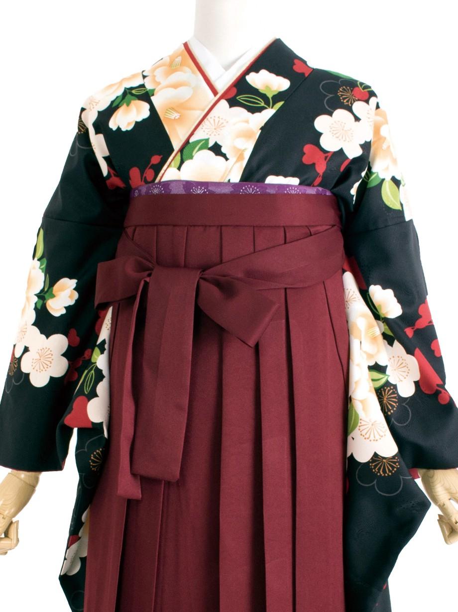 黒地に白い椿と梅・臙脂袴(二尺袖)/卒業式