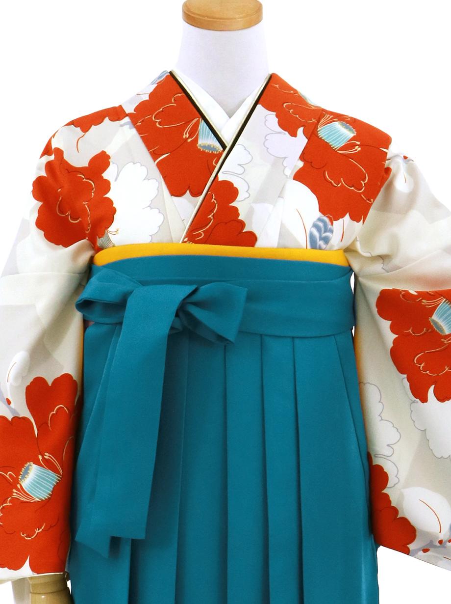 アイボリーに紅白の椿の小紋・青袴(無地)/卒業式