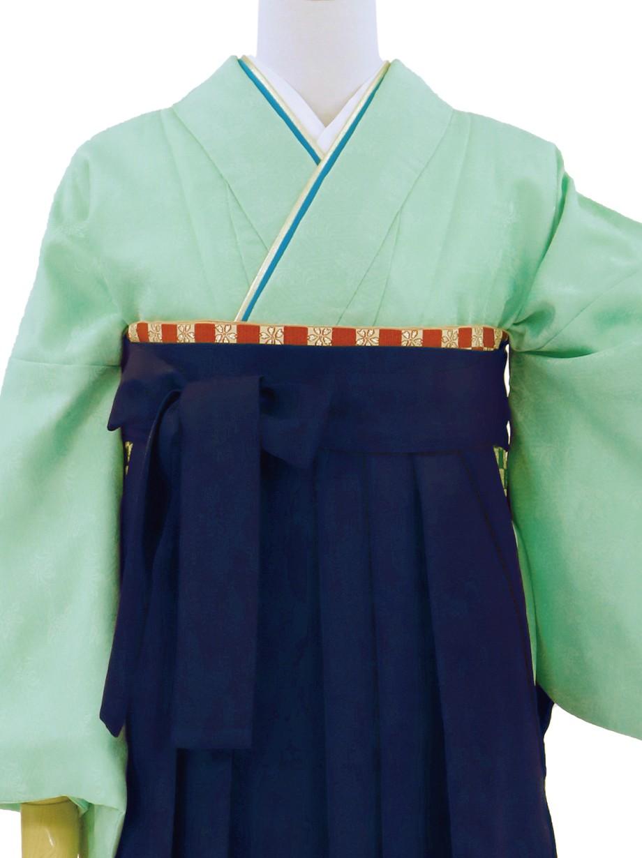 オパールグリーンの色無地・紺袴(無地)/卒業式