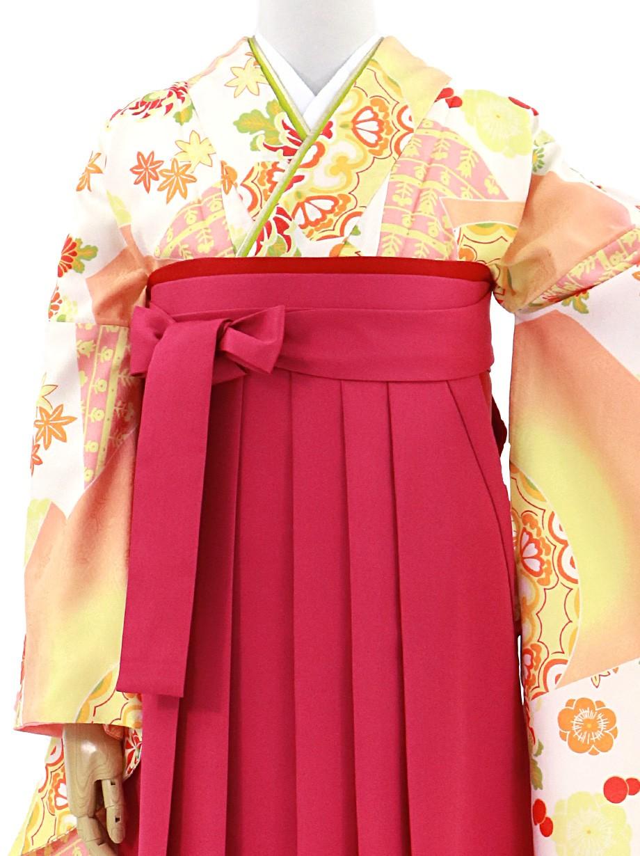 薄オレンジの松皮菱(まつかわびし)・中紅袴(無地)(二尺袖)/卒業式
