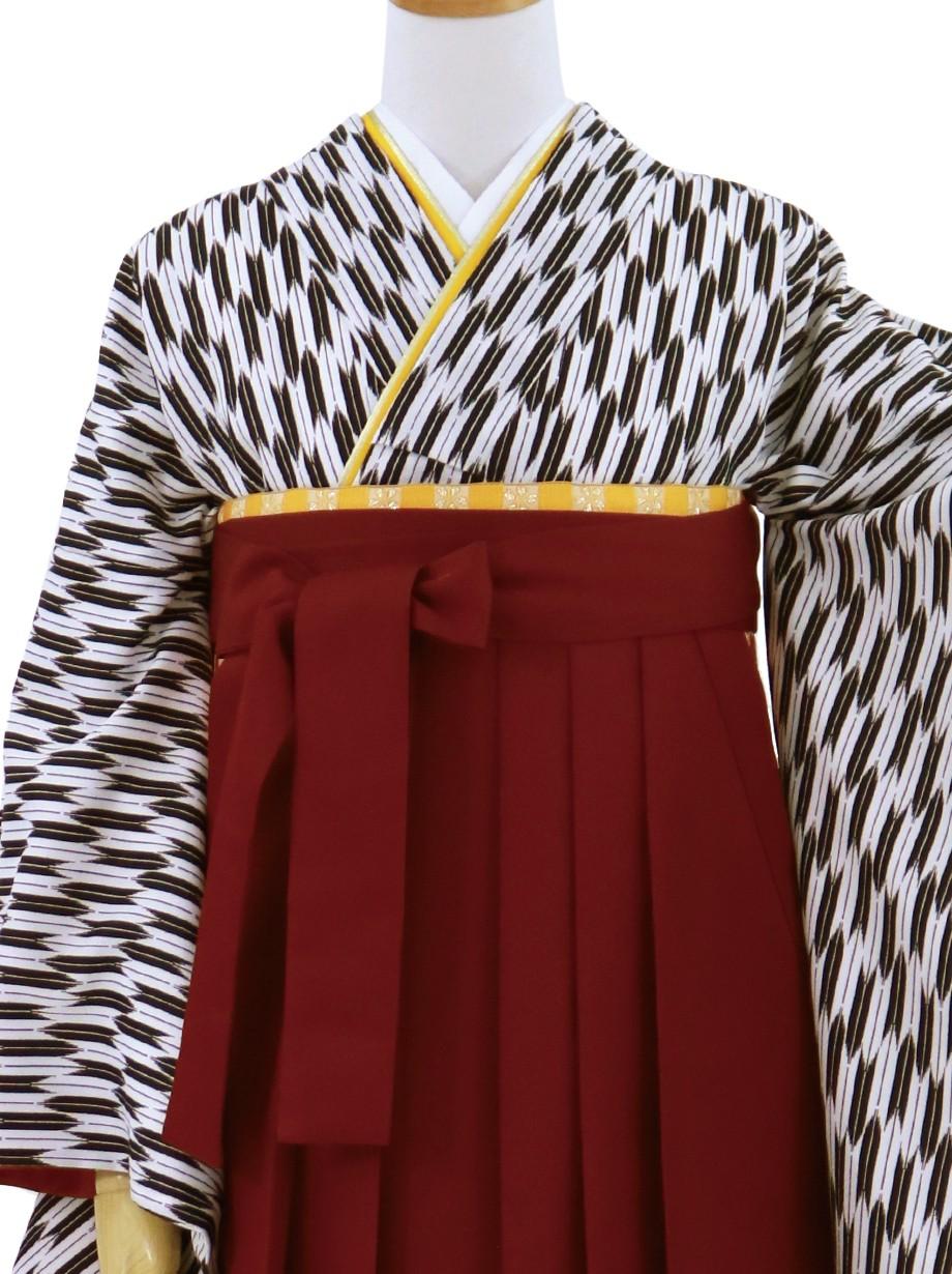 黒の小型矢絣・臙脂袴(無地)(二尺袖)/卒業式