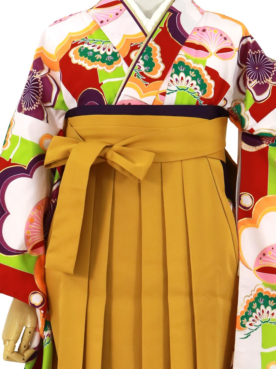 白地に赤と緑の短冊に梅松、マスタード袴(無地)(二尺袖)/卒業式