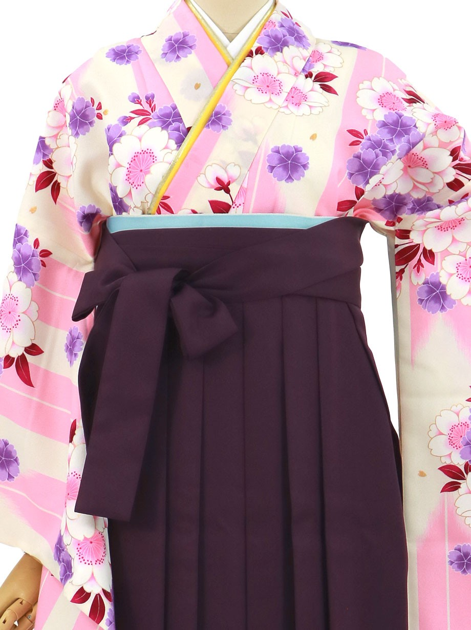 アイボリー地にピンクの矢絣と桜、紫袴(無地)(二尺袖)/卒業式