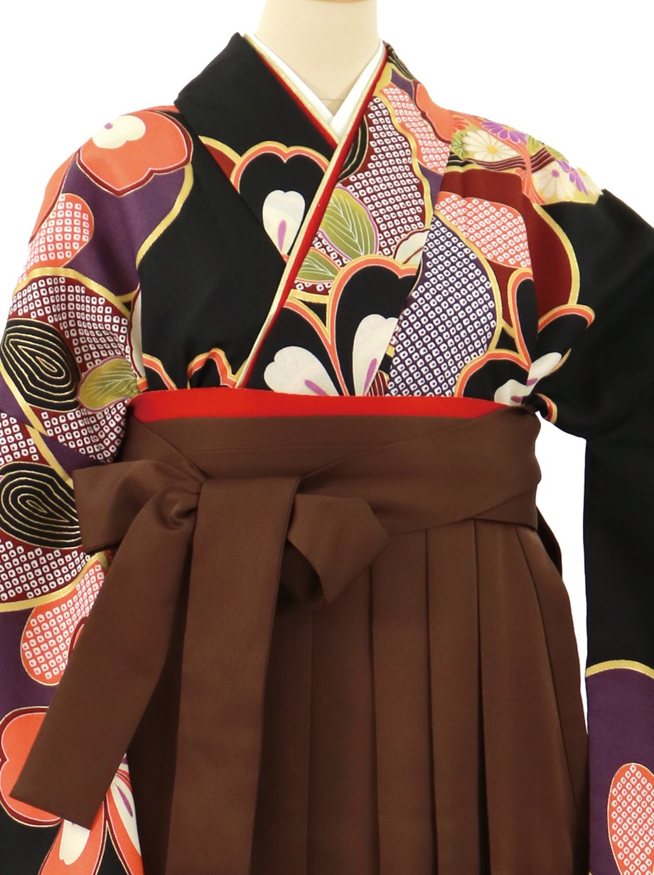 黒地に桜、茶色袴(無地)(二尺袖)/卒業式