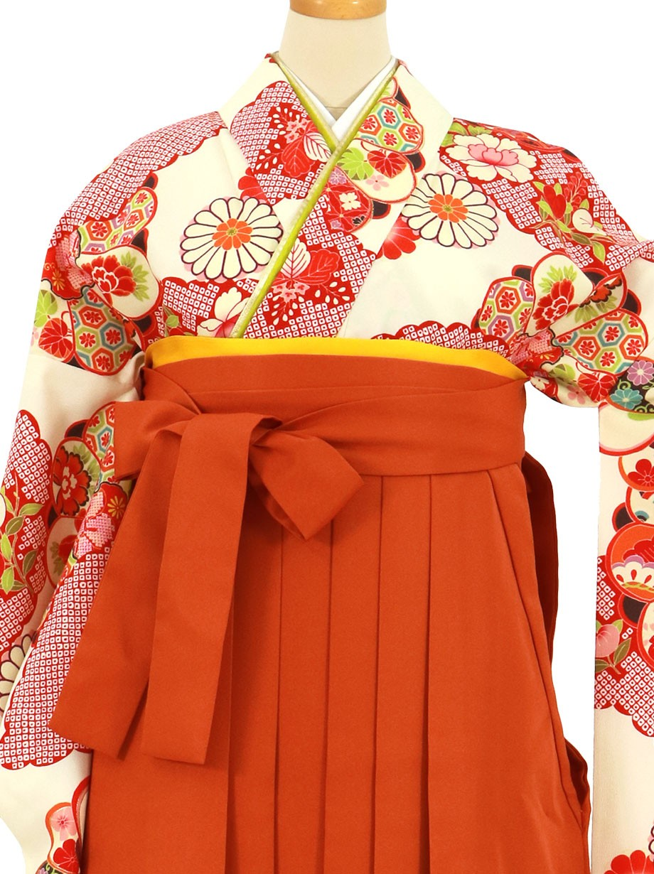 クリームイエロー地に雲取りと花紋、オレンジ袴(無地)(二尺袖)/卒業式