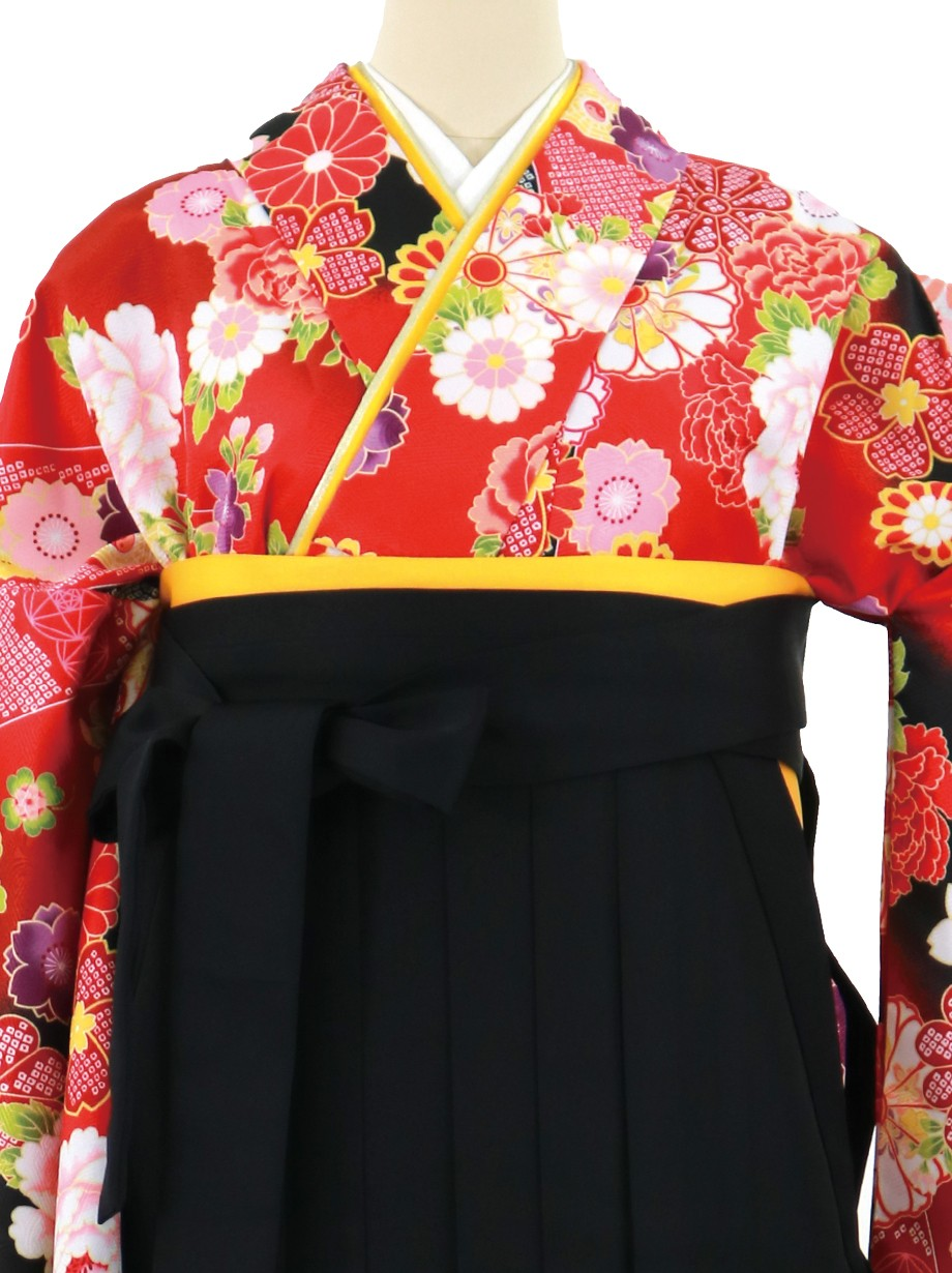 赤地に黒の斜め取りと花尽くし、黒袴(無地)(二尺袖)/卒業式
