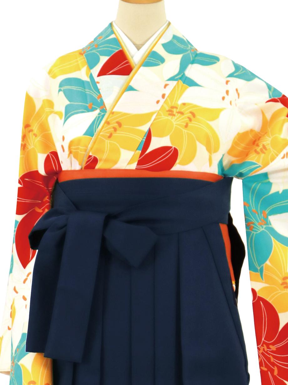 クリーム地に紅白や水色の百合づくし、紺袴(無地)(二尺袖)/卒業式*