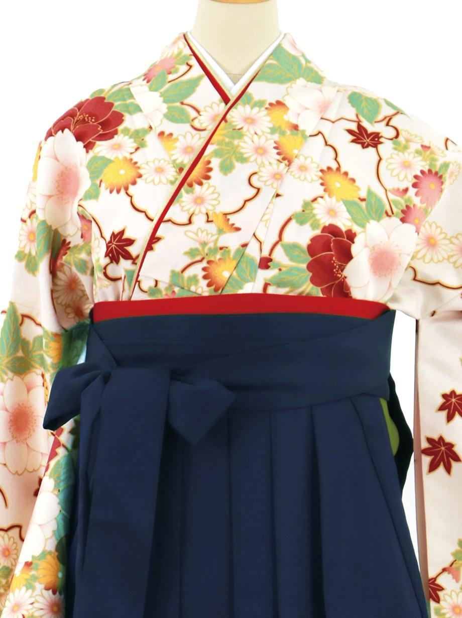 白地に雪輪と四季花、紺袴(無地)(二尺袖)/卒業式**