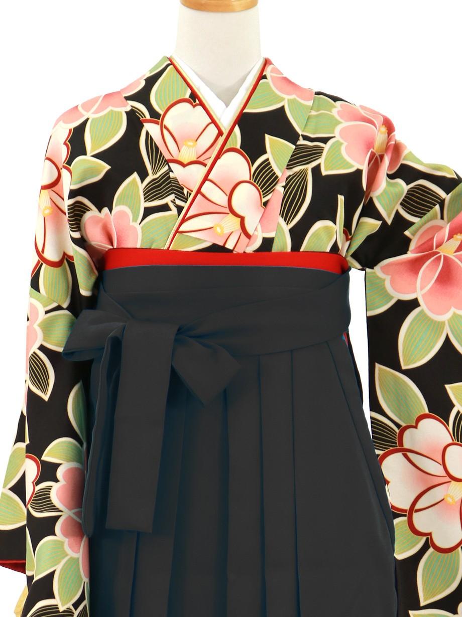 黒地に紅白の椿、黒袴(無地)(二尺袖)/卒業式*