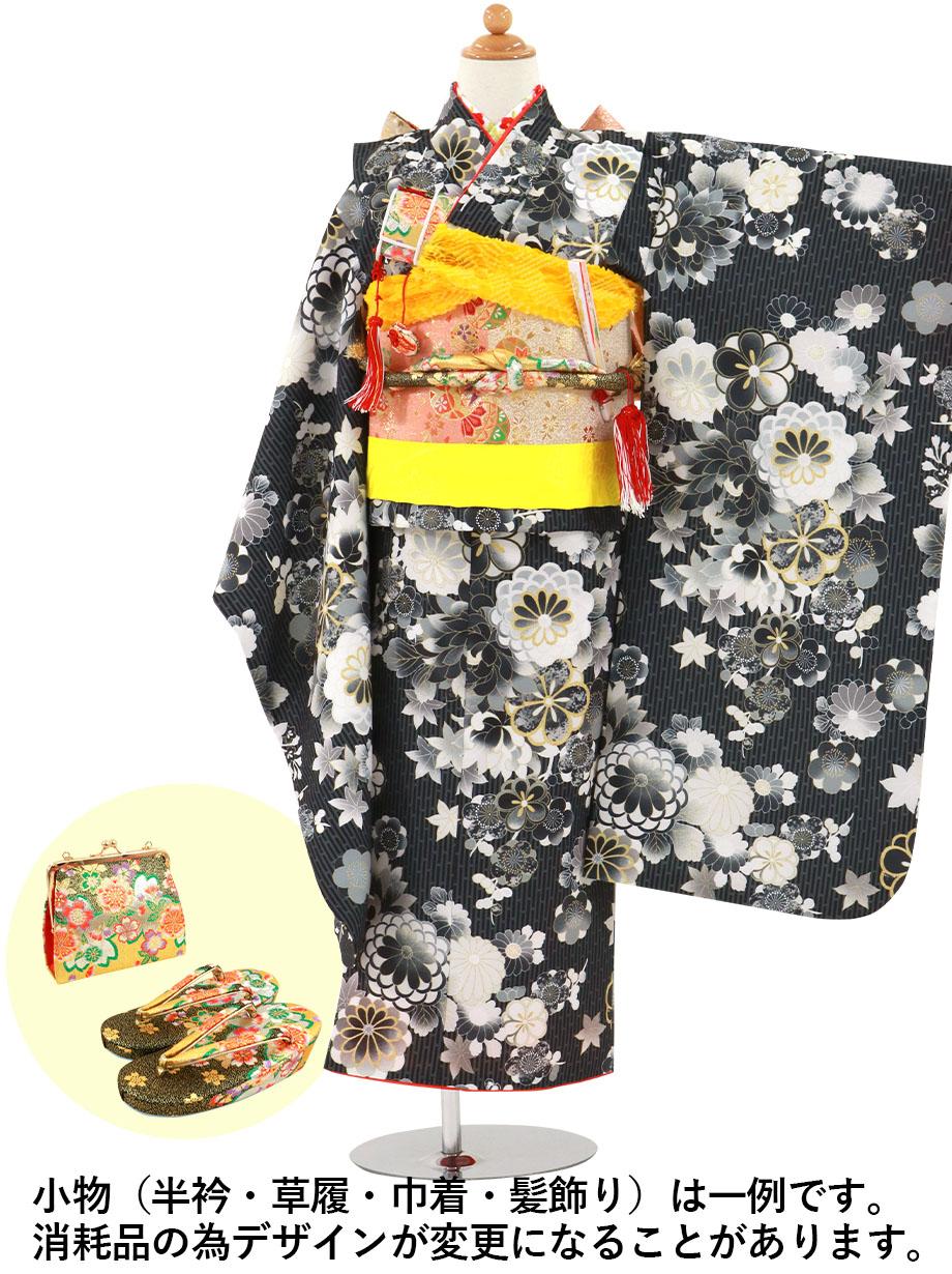 黒地に菊や梅の着物/七五三・七歳女の子