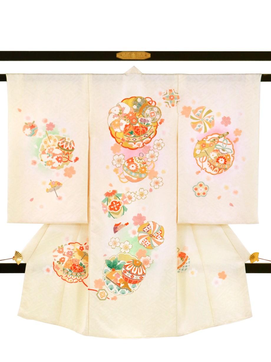 鳥の子色に桜と雪輪文の祝い着(産着)/女児