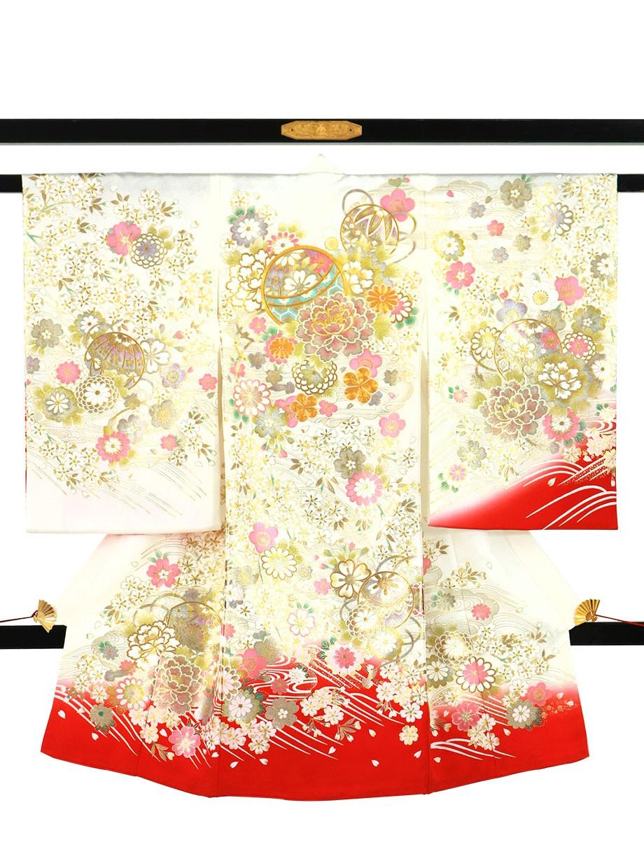 白と赤の地に鞠と牡丹、金の刺繍尽くしの祝い着(産着)/女児