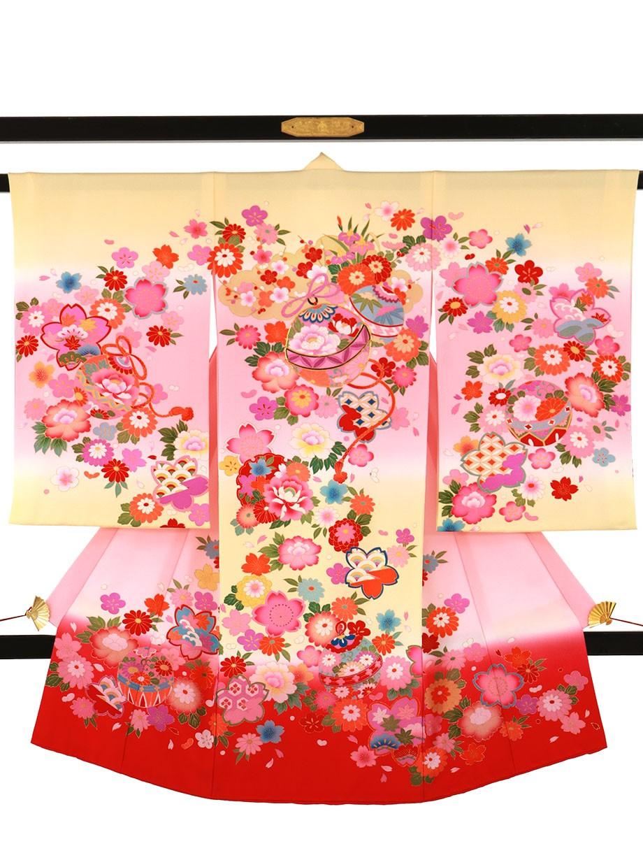 クリームとピンクの地に鈴と四季花づくしの祝い着(産着)/女児