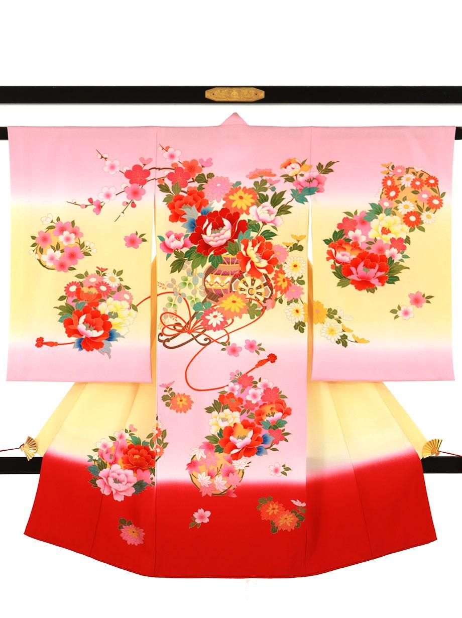 ピンクとクリームの地に花車の祝い着(産着)/女児