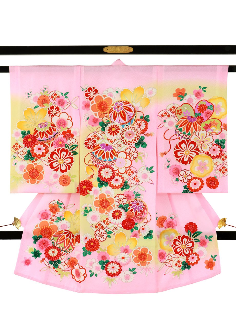 ピンク地に鞠と菊、桜の祝い着(産着)/女児