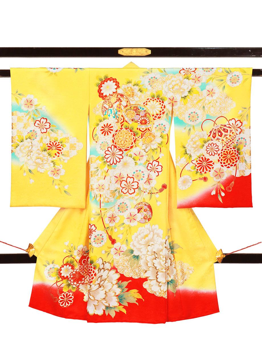黄色地に鞠と大輪の牡丹の祝い着(産着)/女児