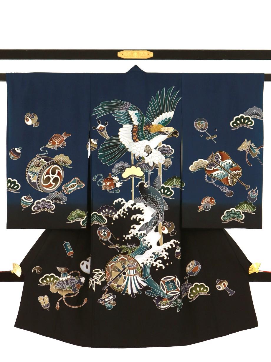 紺と黒の地に鷹、鯉の祝い着(産着)/男児