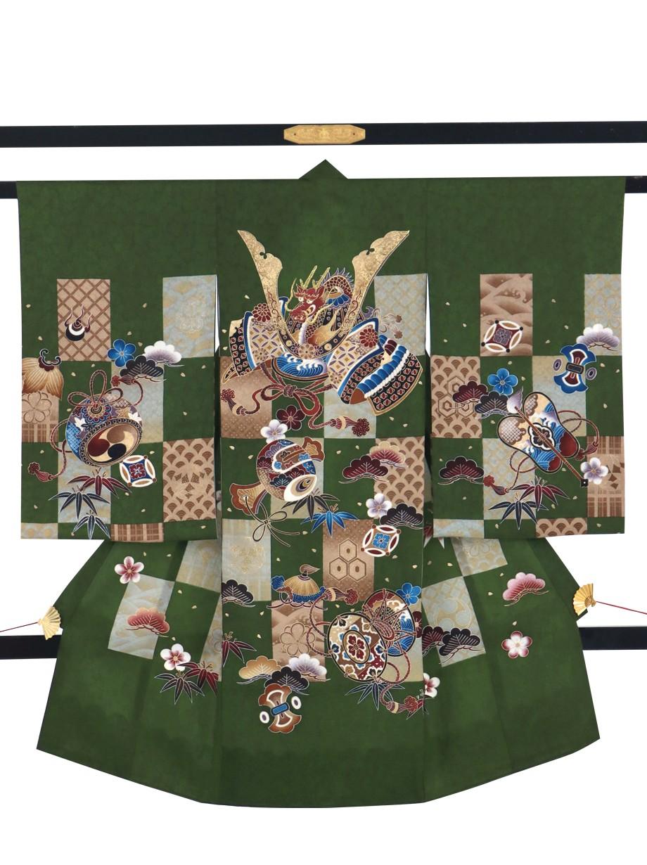 濃抹茶に市松文様、兜と吉祥柄の祝い着(産着)/男児