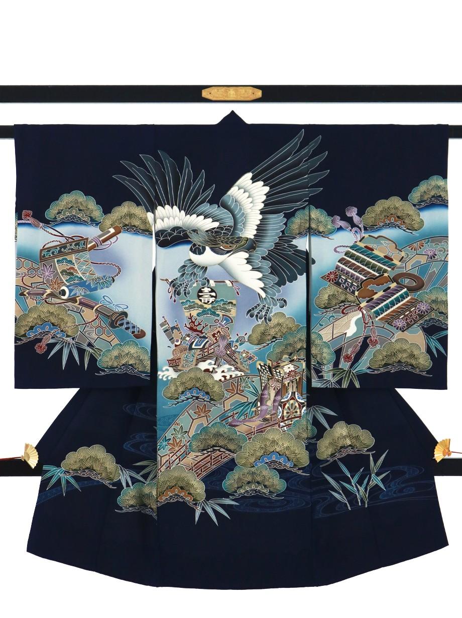 濃い紺地に鷹と御所車、松の祝い着(産着)/男児