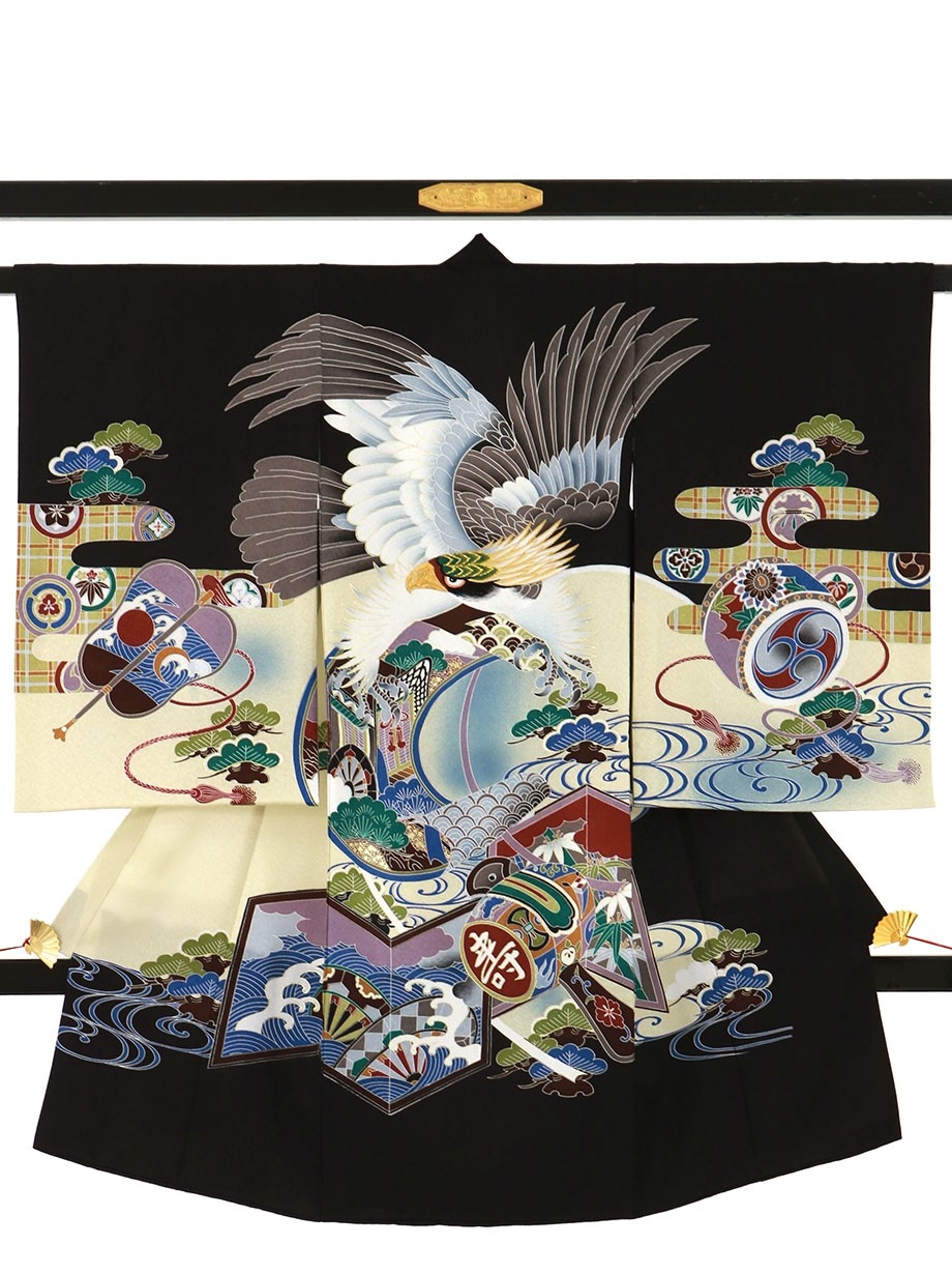 黒地に鷹や打ち出の小槌の祝い着(産着)/男児