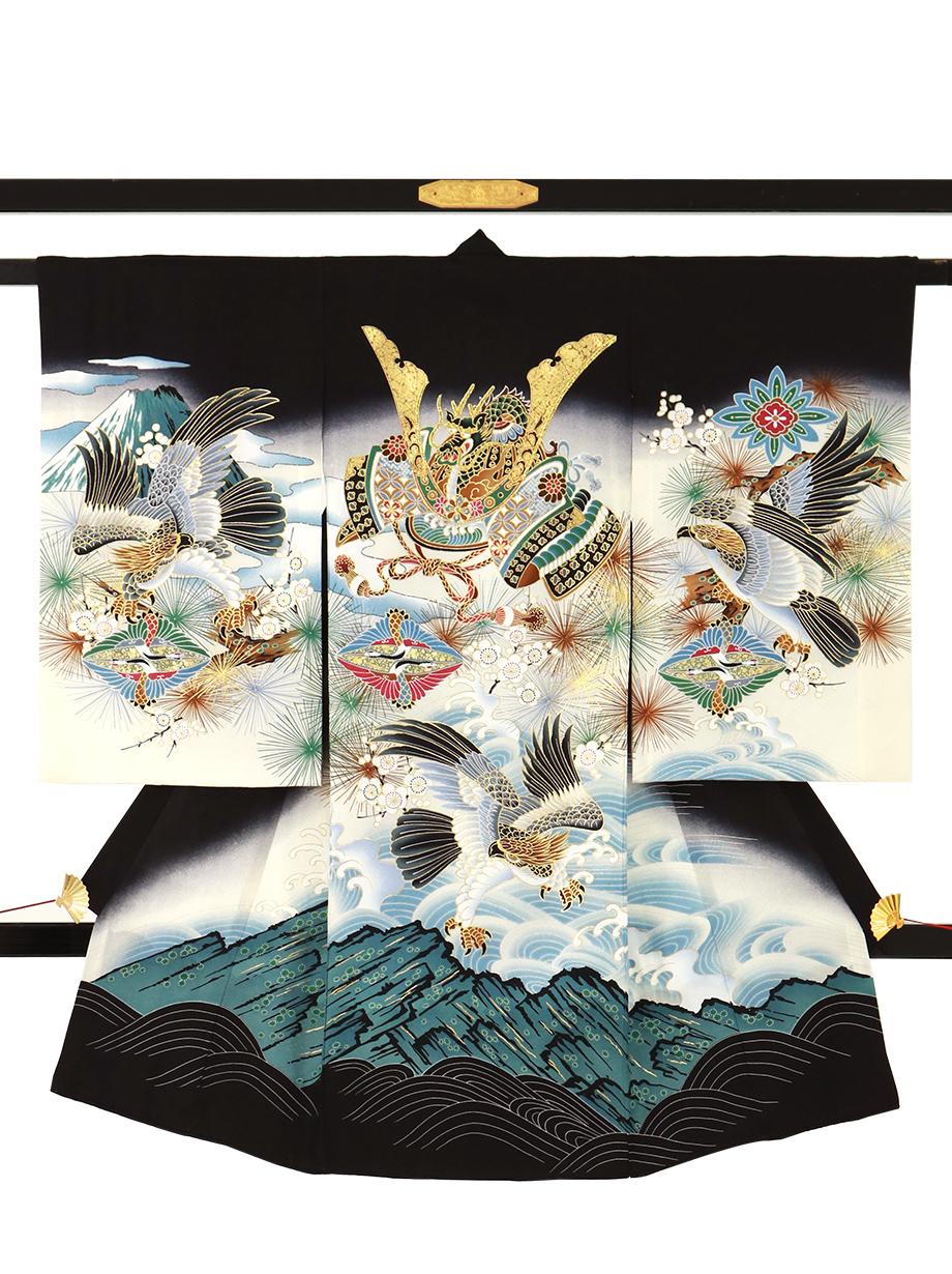 黒地に兜と鷹、向鶴菱の祝い着(産着)/男児