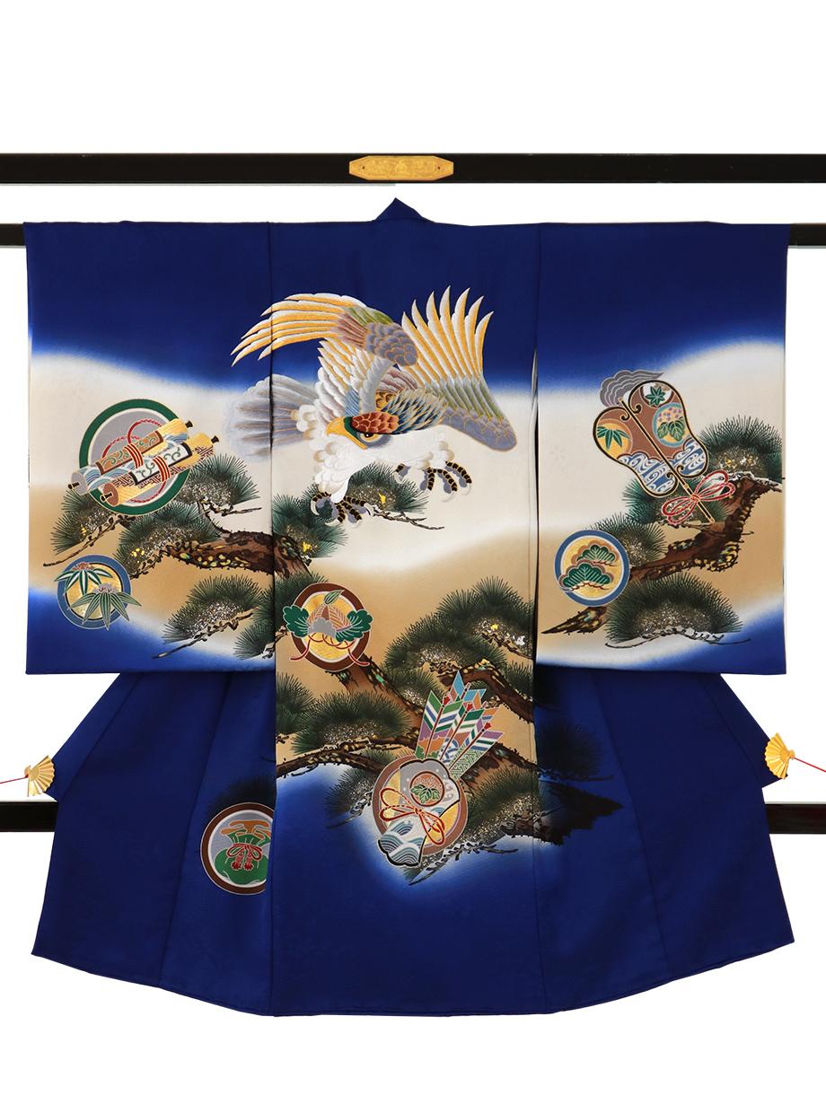 明るい紺地に鷹と松、吉祥文の祝い着(産着)/男児