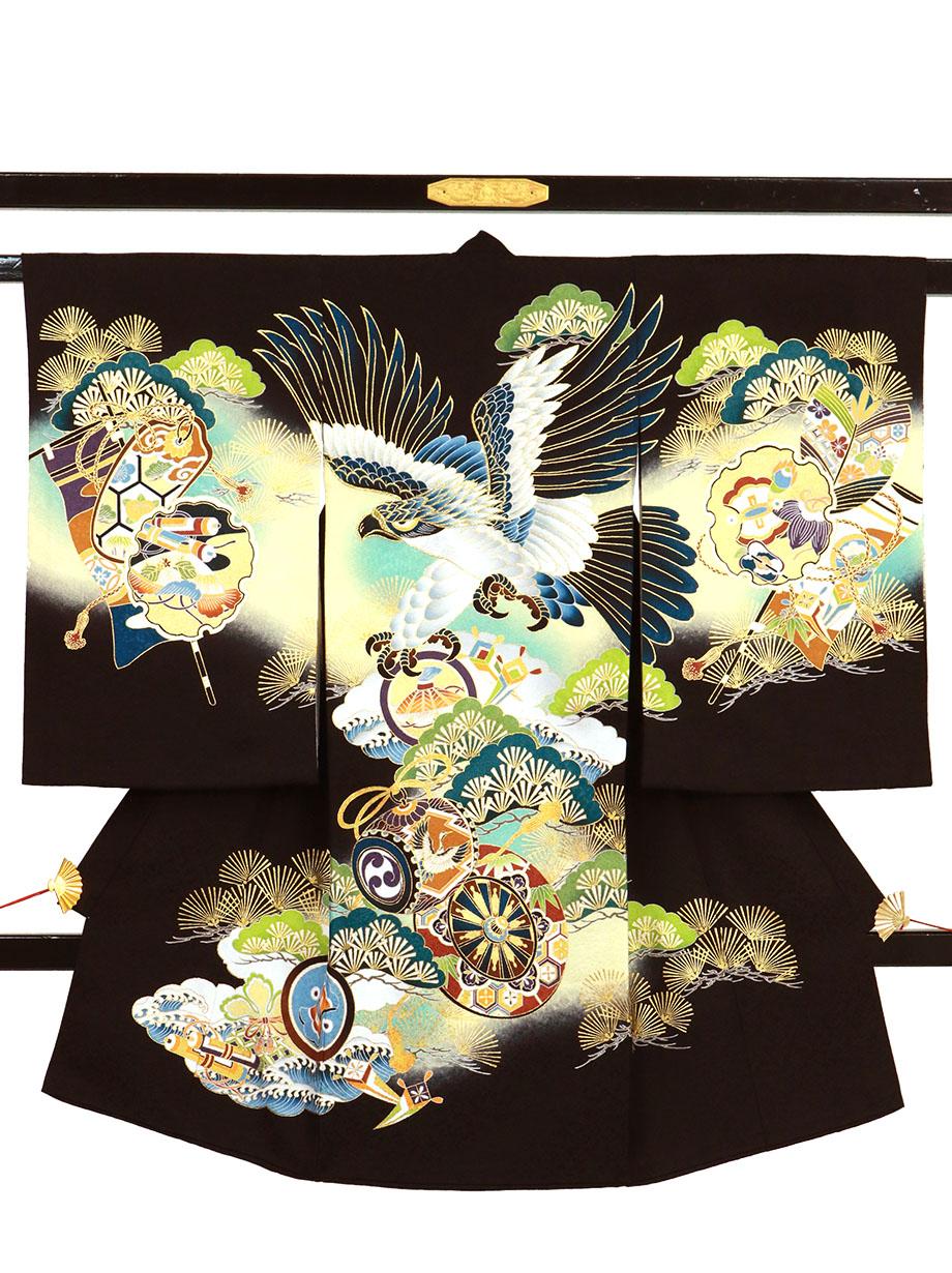 黒地に鷹と青松、雪輪の祝い着(産着)/男児