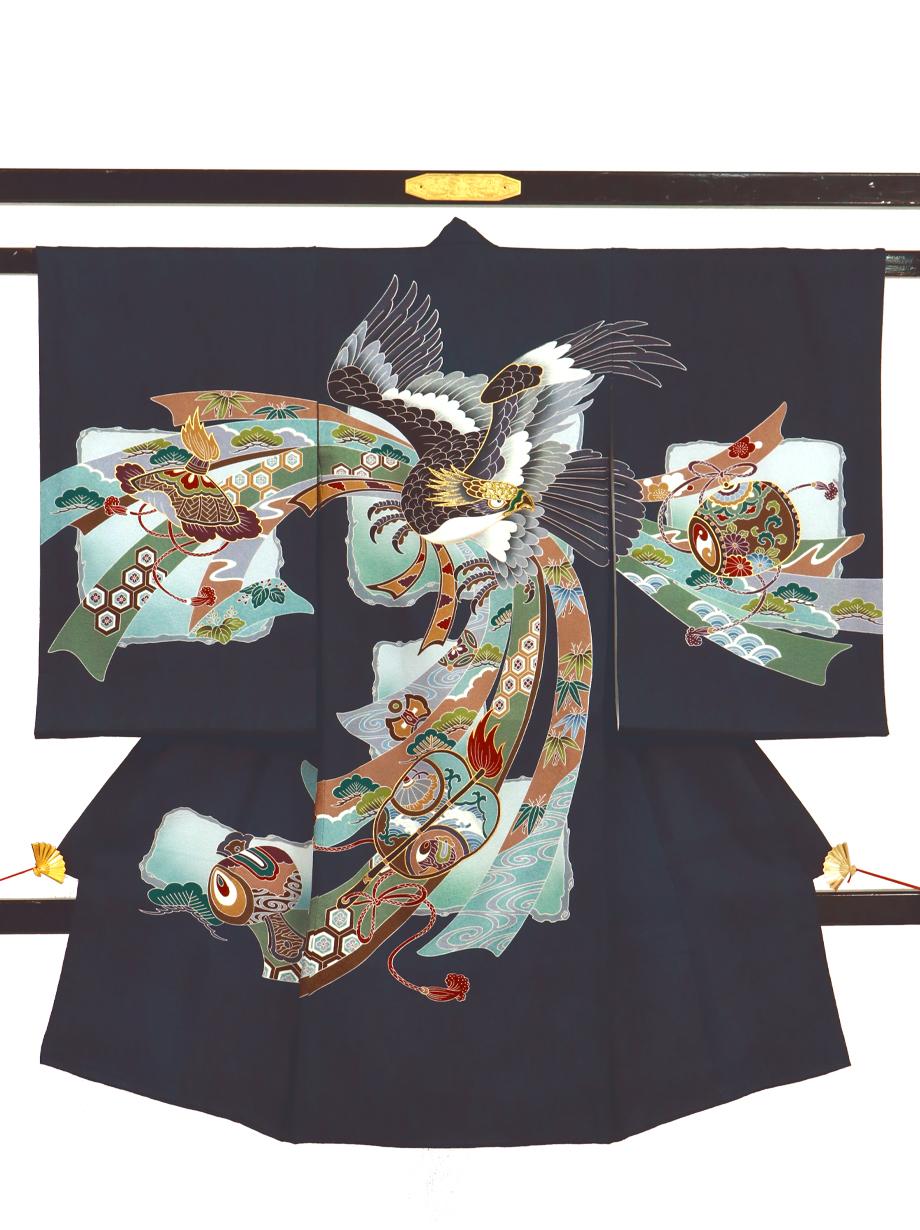 紺地に鷹と軍配、熨斗の祝い着(産着)/男児紺地に鷹と軍配、熨斗の祝い着(産着)/男児