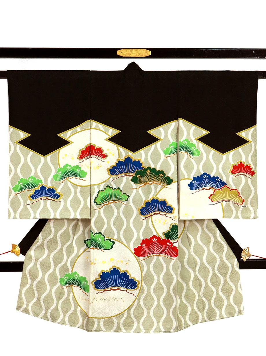 黒と縞波に松文の祝い着(産着)/男児