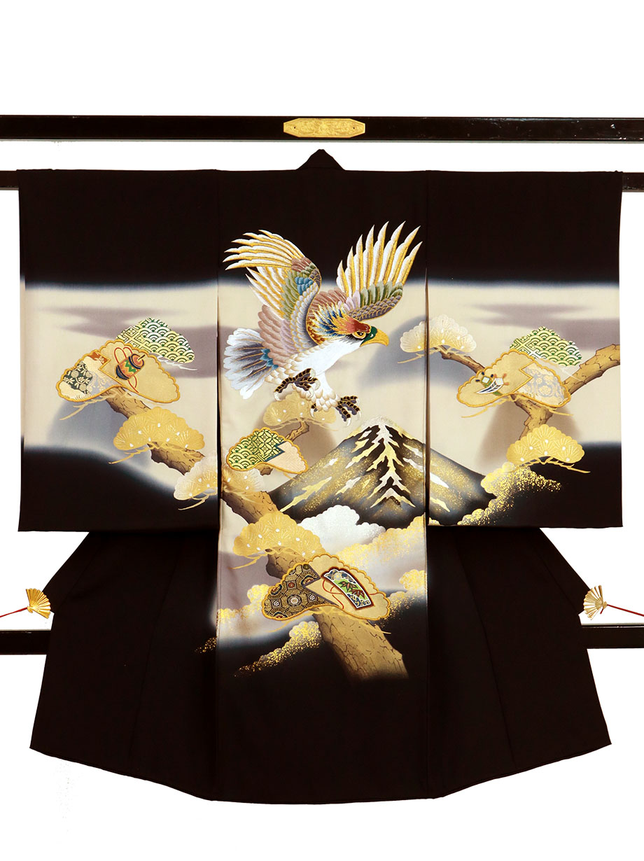 黒地に鷹と松、富士山の祝い着(産着)/男児