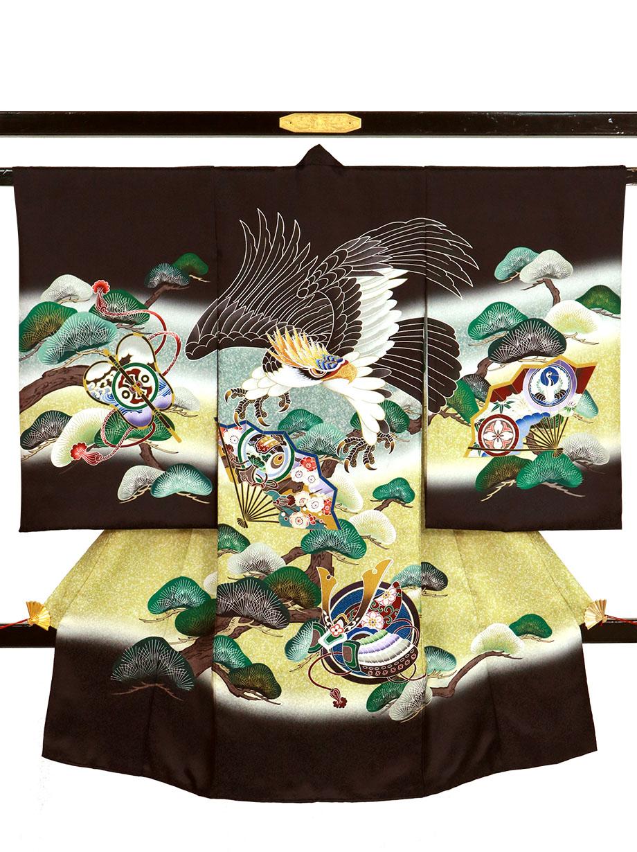 黒地に鷹と扇、松の祝い着(産着)/男児