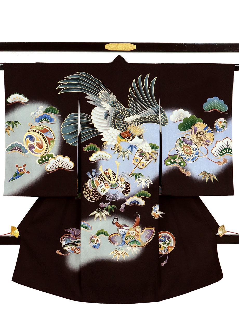 黒地に鷹と軍配、兜の祝い着(産着)/男児