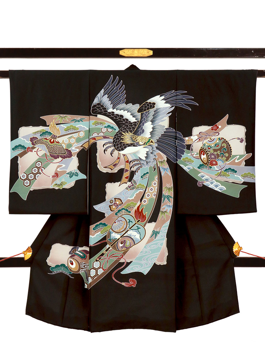 黒地に鷹と熨斗に軍配の祝い着(産着)/男児