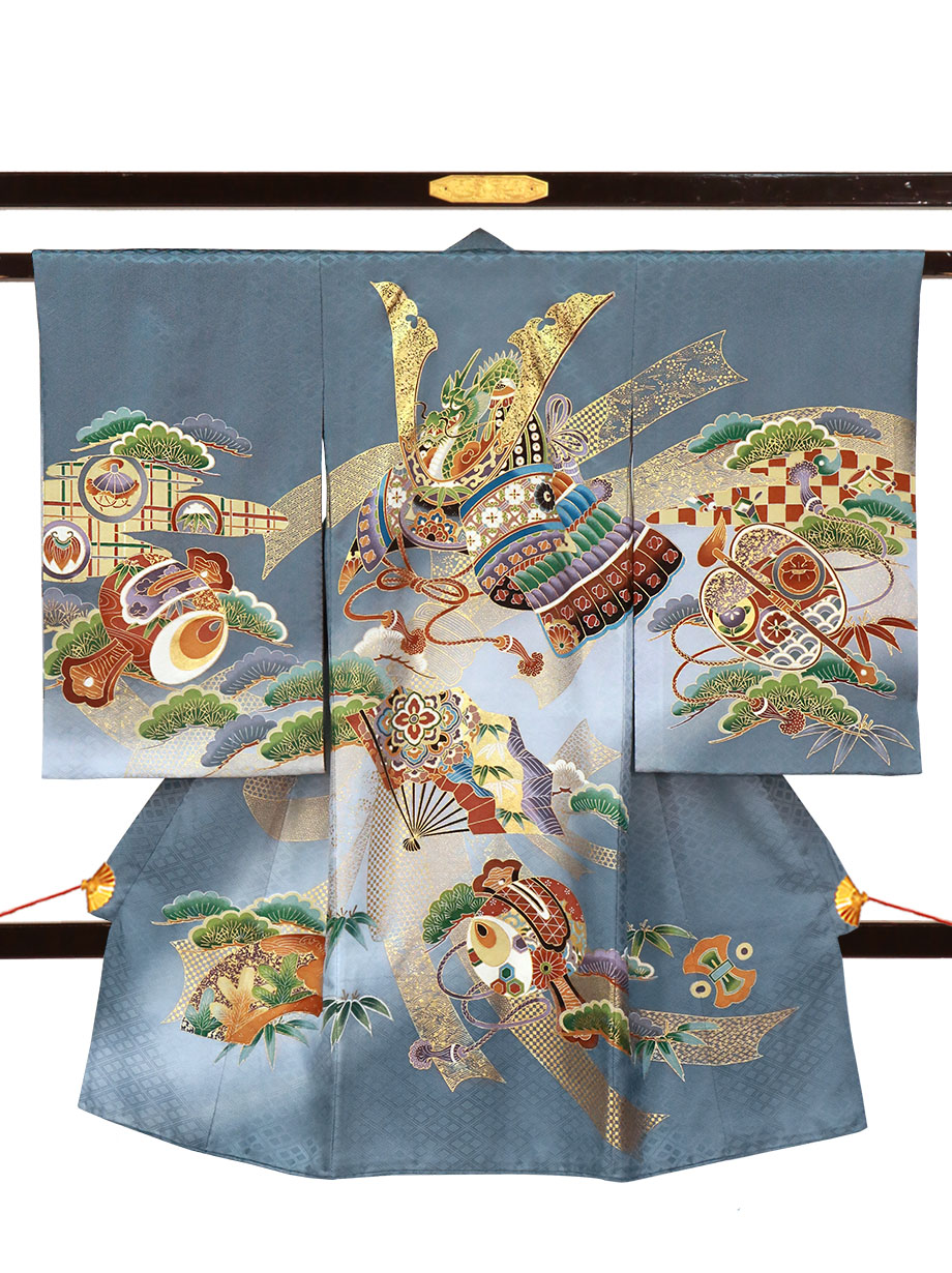 グレー地に兜と松、打ち出の小槌の祝い着(産着)/男児