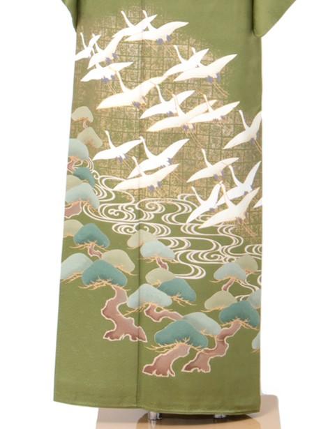 抹茶地に鶴と松の色留袖