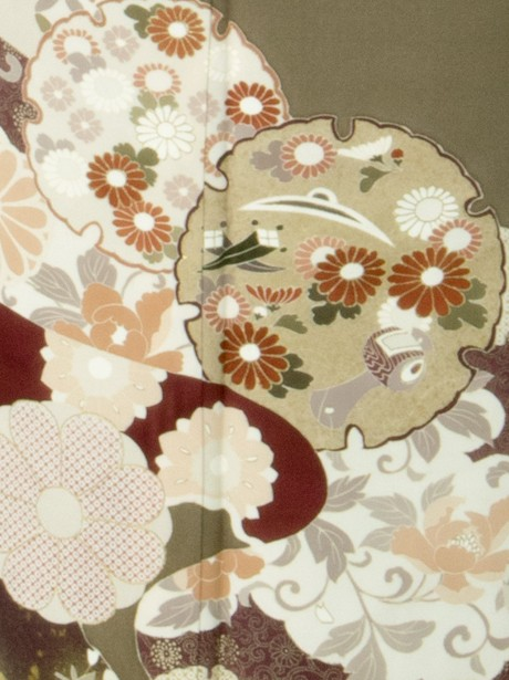 道長と雪輪の色留袖