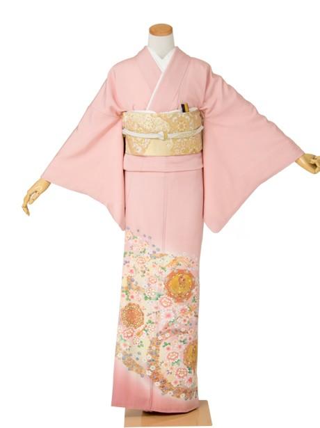 ピンク地に鳳凰と花紋の色留袖