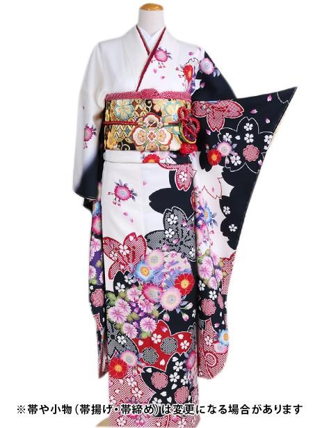 白地に疋田柄の桜の振袖