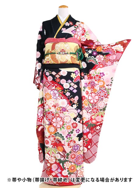 黒色に桜と鞠の振袖