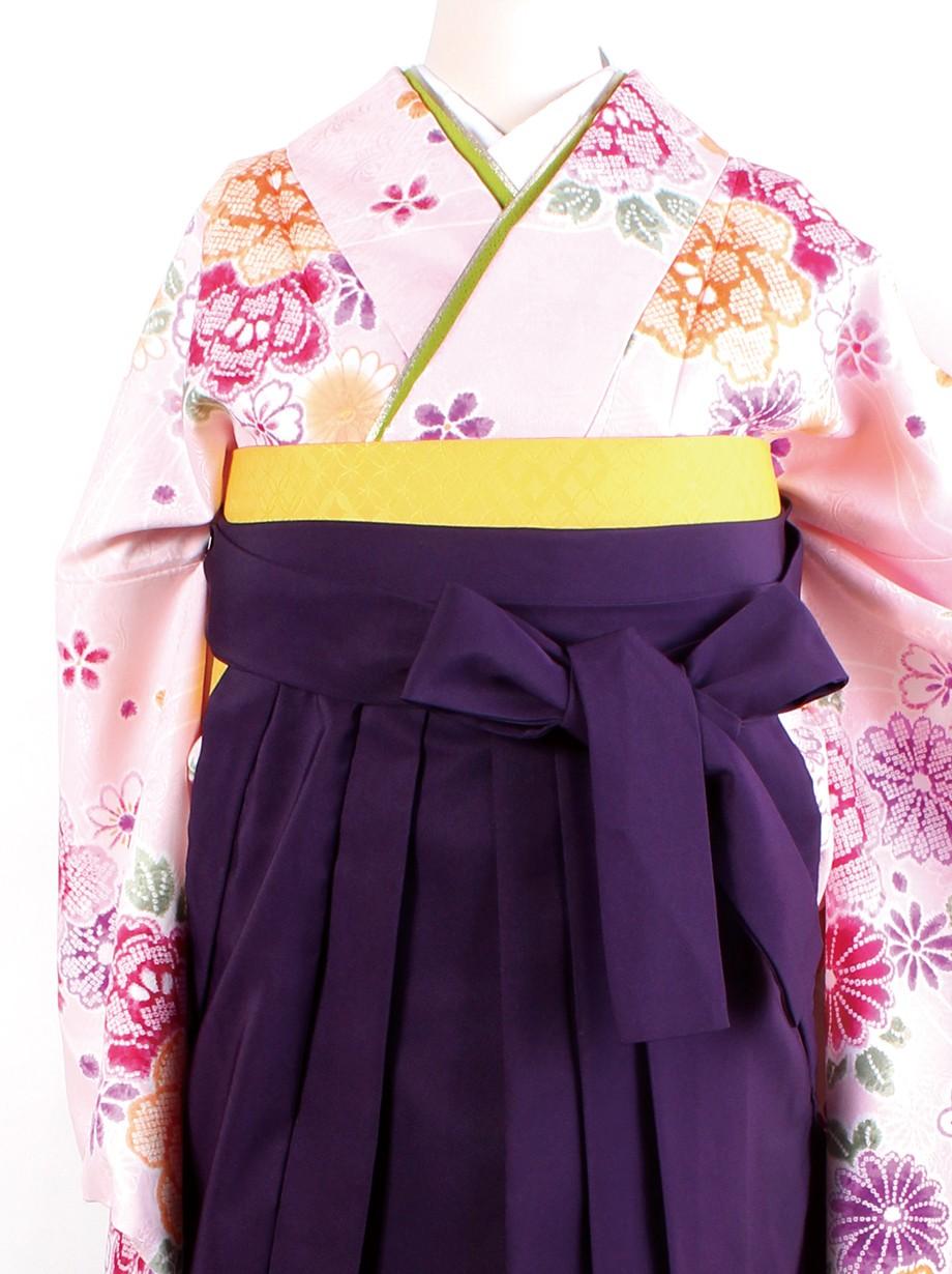 ピンク地に染め疋田と花・紫袴(二尺袖)/卒業式