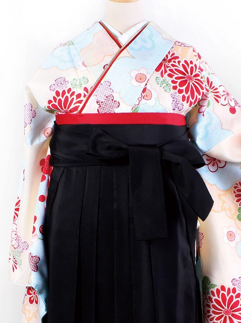 クリーム地に花紋・黒袴(二尺袖)/卒業式